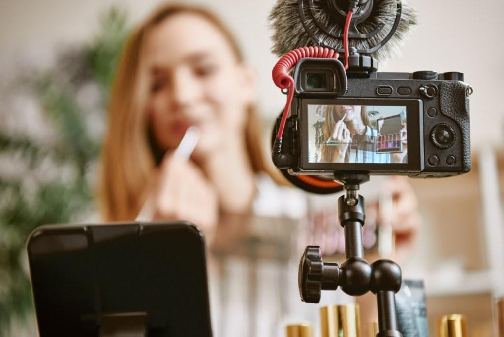 Камера, мотор, лайки, YouTube