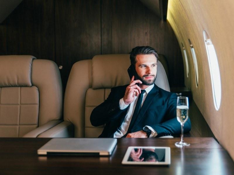 бизнесмен, самолет