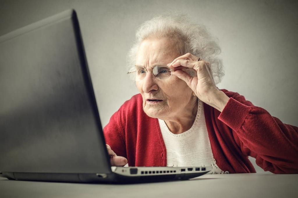 Копирайтер, рерайтер, составитель отзывов и комментариев