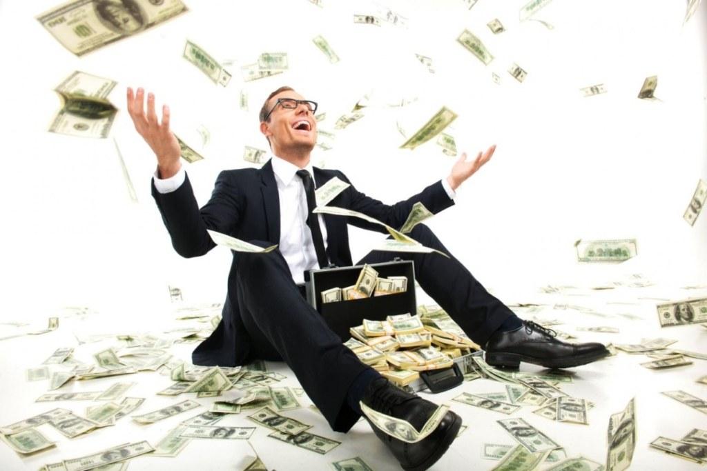 мужчина, деньги, много денег