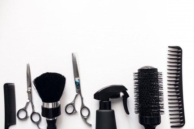 парикмахер, расческа, ножницы
