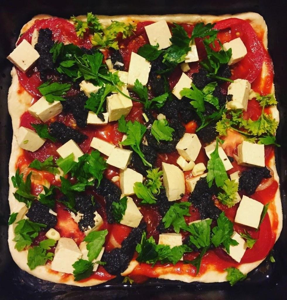 пицца, Как жительница Питера кормит тысячи нуждающихся и не тратит деньги