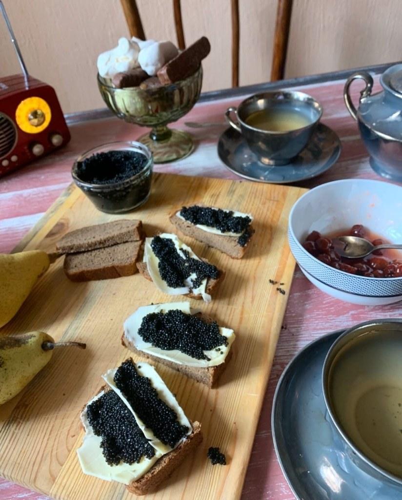 Купить черную икру в самой Астрахани
