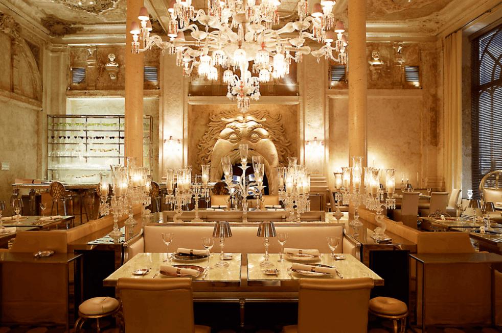 Baccarat Cristal Room