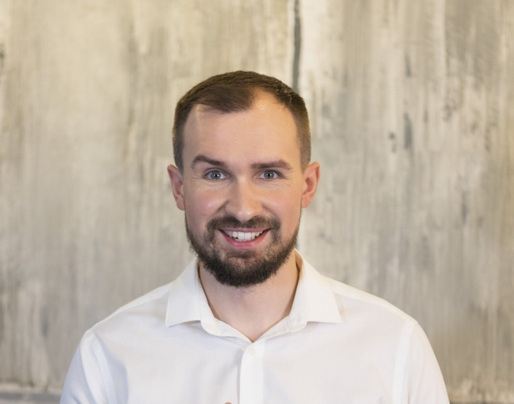 Дмитрий Толстяков, финансовый консультант, основатель Школы безопасных инвестиций FIN-RA