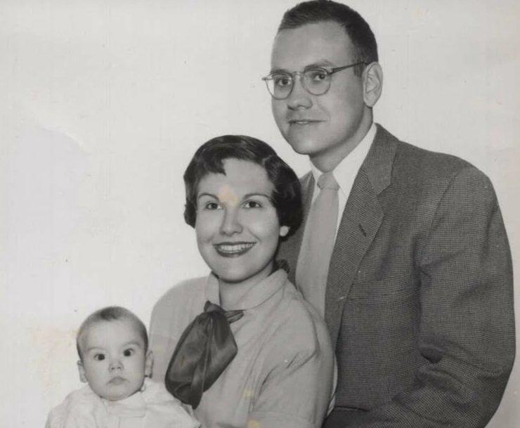 Молодой Баффет с женой Сьюзен и дочерью