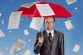 мужчина, документы, выписка из ЕГРН, зонт