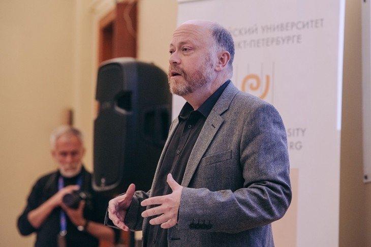 Дмитрий Травин, экономист