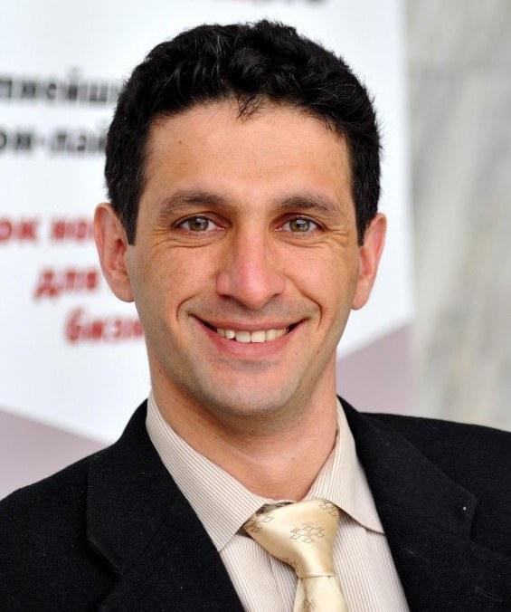 Яков Лившиц,  основатель IT-компании XCritical и международного IT-колледжа DevEducation