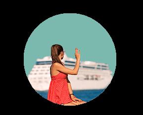 человек машет рукой уходящему кораблю