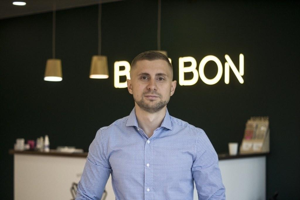 Павел Сидоров, владелец сети салонов маникюра BonBon.