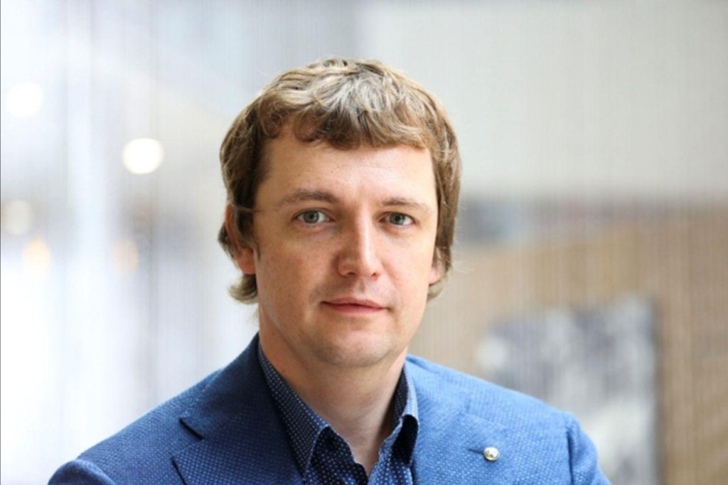Михаил Попов, банкир, Founder and CEO TalkBank