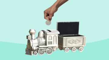 поезд копилка рука монета