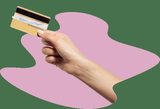 Рука с кредитной картой