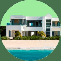 Хранитель или охранник дома на берегу моря