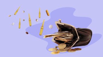 кошелек с деньгами ампулы таблетки