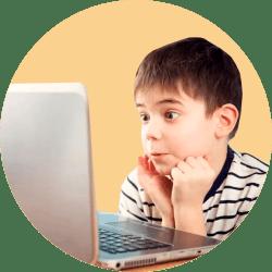 ребенок компьютер
