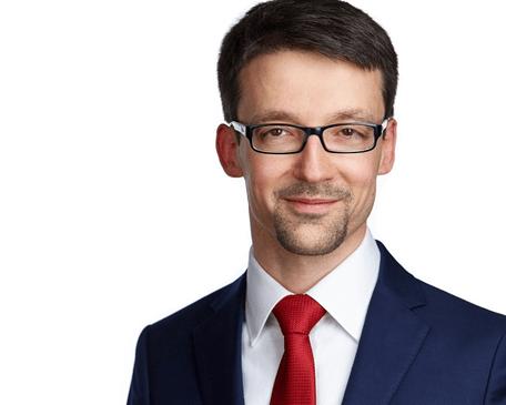 Павел Вешаев, генеральный директор FinHelp