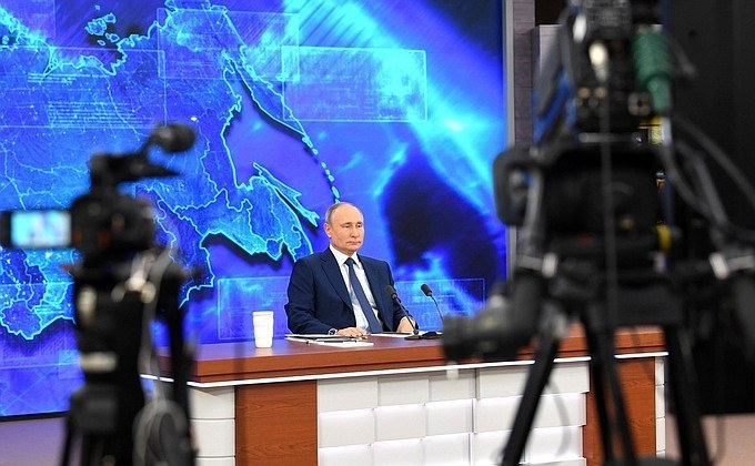 Путин попросил прощения за низкие зарплаты