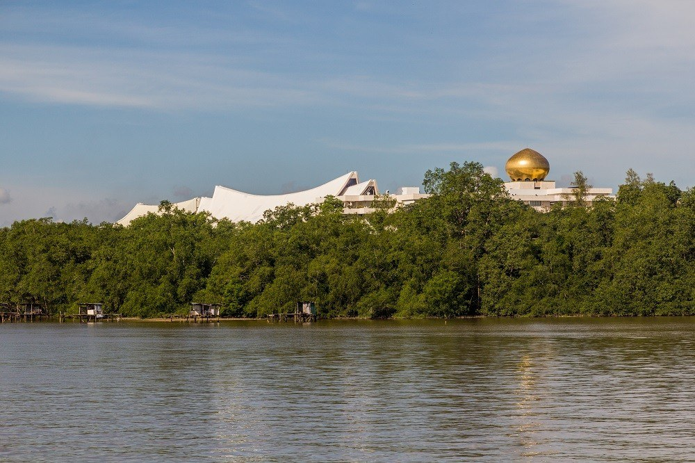 Дворец Истана Нурул Иман, Бруней: 3,5 млрд долларов