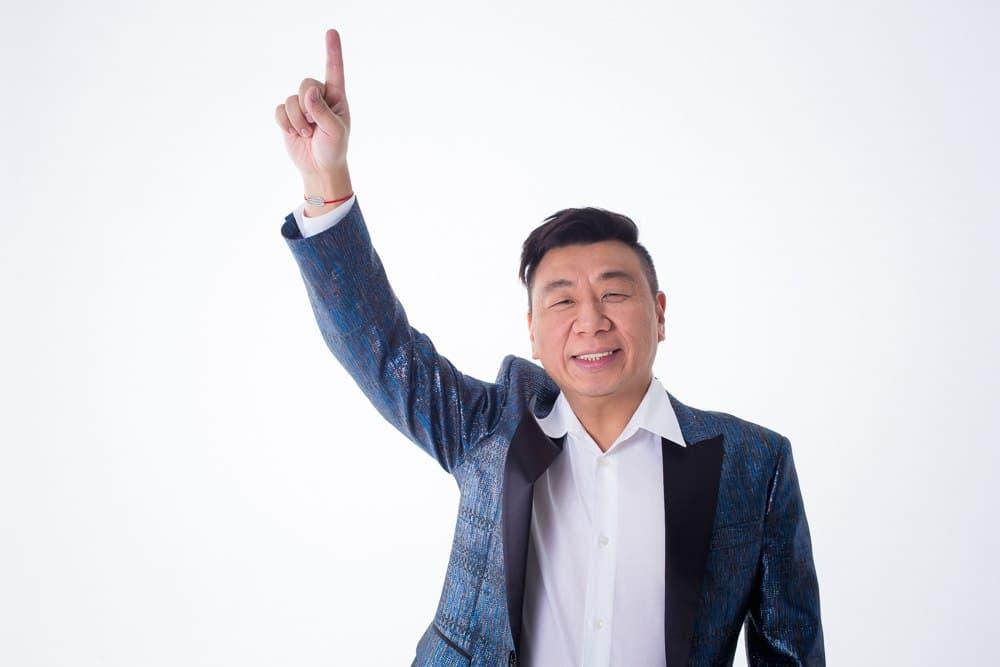 Лаки Ли — продюсер и владелец московского стриптиз-клуба Golden Girls, президент Ассоциации стриптиз-клубов России.