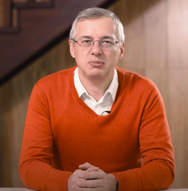 Дмитрий Алексеев, директор «ДНС Групп»