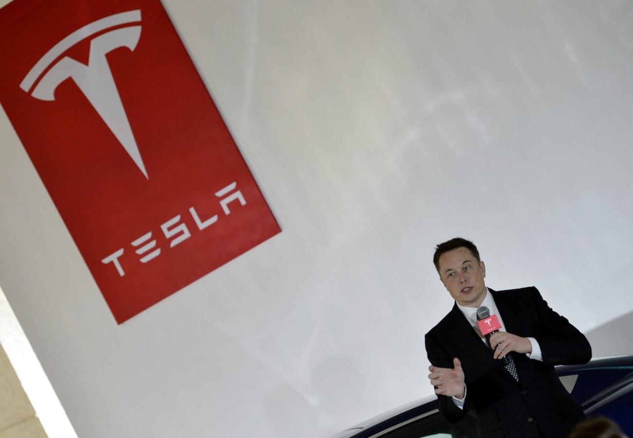 ilon musk Tesla