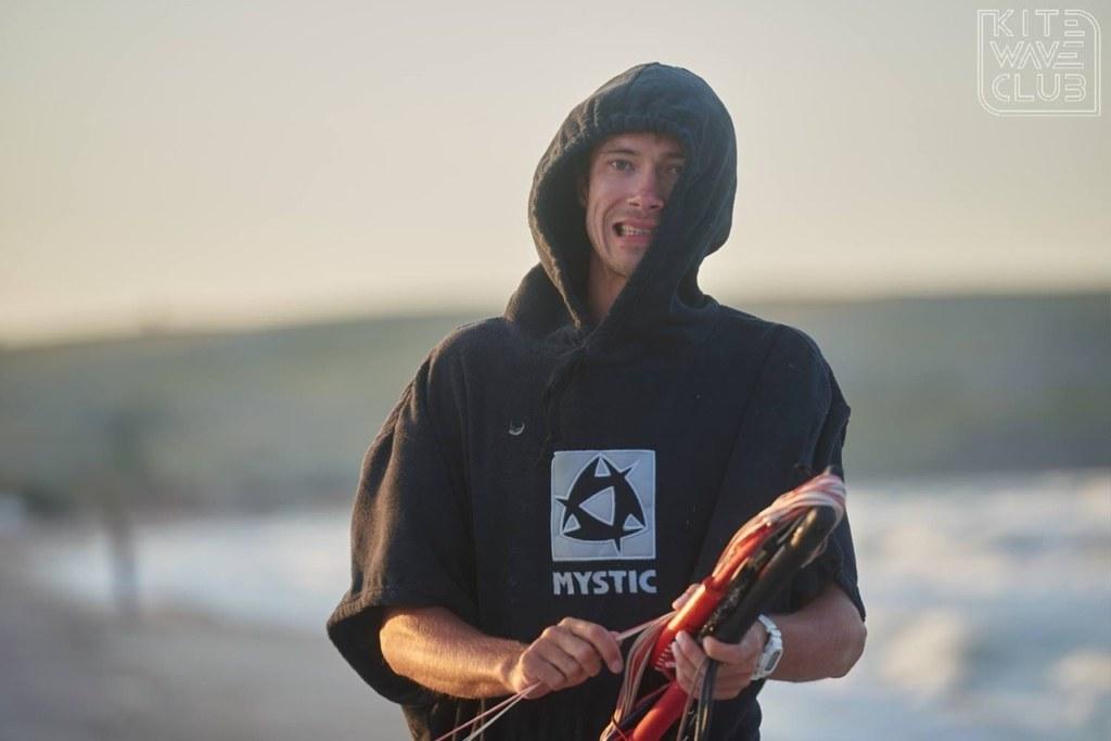 Максим Зубарев — мастер по изготовлению досок для кайтсерфинга