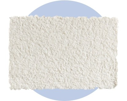 Пушистый белый ковер